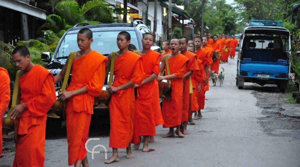 monaci in cambogia