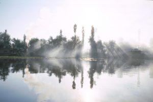 Srinagar il lago al mattino