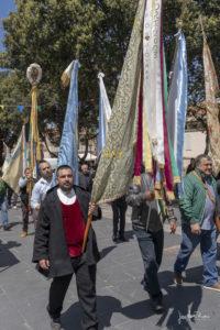 processione-con-bandiere-a-olmedo